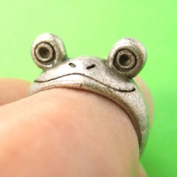 Froggy Googly Eyed Animal Wrap Ring in Silver - Sizes 5 and 6 Only