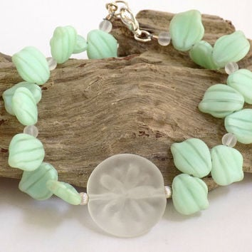 Green Bracelet, Starfish Bracelet, Handmade Bracelet, Handcrafted Jewelry, Beach Bracelet, Green Jewelry, Unique Bracelet, Lucite Jewelry