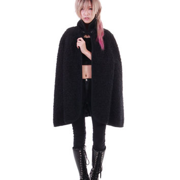 Black Wool Cape 60s 70s Goth Steampunk Vintage Coat Outerwear Clothing Womens One Size Fits Most