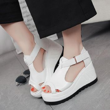 2017 spring and summer new slope with sandals female fish mouth thick bottom of the wild show was loose cake shoes