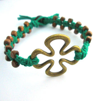 St. Patricks Day Hemp Bracelet Four Leaf Clover Jewelry Irish Macrame