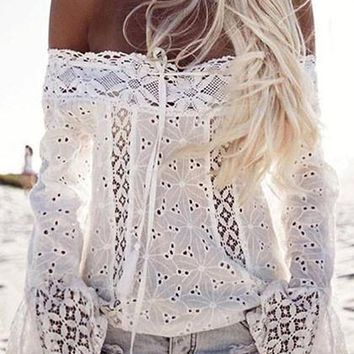 Cute White Solid Lace Off The Shoulder Top
