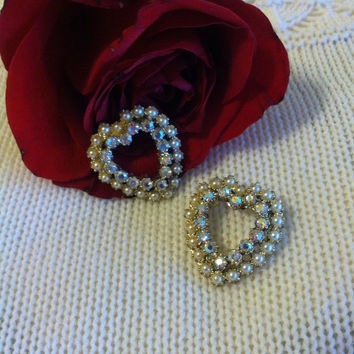 Heart Brooches Set of 2 Mid Century Retro Pearl and Carnival Rhinestone Heart Pins Valentine Romantic Gift For Her White Crystal Heart Shape