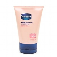 Vaseline Intensive Care Total Moisture Healthy Hand & Nail Conditioning Lotion