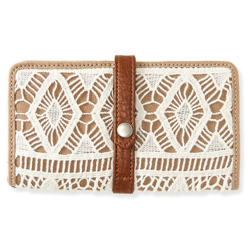 Crochet Magnetic Snap Bifold Wallet