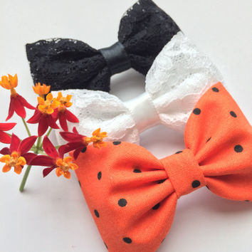 White lace, black lace, and Halloween  dot hair bow lot from Seaside Sparrow.  This Seaside Sparrow hair bow set makes a perfect gift f