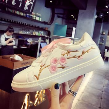Students embroidery flat shoes SE10449