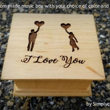 I love you gift - Anniversary gift - Engraved Music Box - Wooden music box with a couple and balloons on top saying I love you, cool gifts