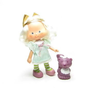 Angel Cake Doll with Souffle Skunk Pet Vintage Strawberry Shortcake Toy