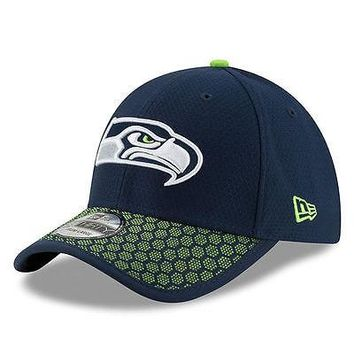 Seattle Seahawks New Era 39THIRTY 2017 Sideline On Field Cap Flex Hat Stretch