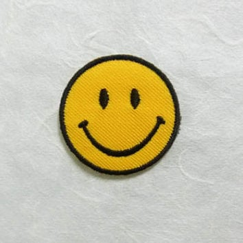 Smiley Face Iron on Patch - Smiley Face Applique Embroidered Iron on Patch