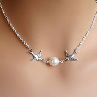 Faux Pearl Decorated Bird Pendant Necklace For Women
