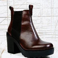 Vagabond Libby Leather Chelsea Boots in Brown - Urban Outfitters