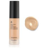 Perfecting Liquid Foundation Broad Spectrum SPF 15 Sunscreen, Porcelain US #7622 - Arbonne