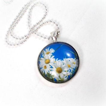 White Daisy Necklace Daisy Pendant Blue and White Necklace 20 inch Necklace Flower Pendant Flower Necklace Spring Jewelry Summer Jewelry