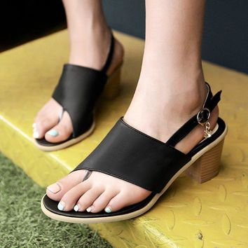 B| Chicloth Buckle Hollow-out Flip-flops Chunky Sandal