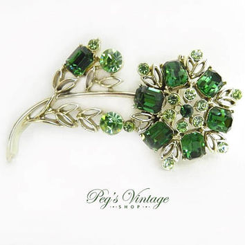 Emerald Green Crystal Rhinestone Flower Brooch, Estate Jewelry, Mid Century Pin, Collectible Vintage Jewelry