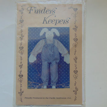 Wooden Overalls Primitive Bunny Doll by Finders Keeper Craft Sewing Pattern