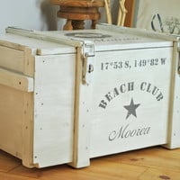 Rustic white trunk > Beach Club < as coffee table with customized name and coordinates | maritime ocean sea resort holidays vacation theme