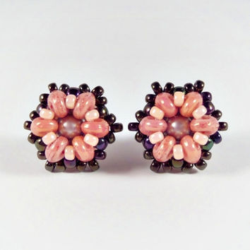 Beadwork Earrings, Beaded Stud Earrings in Salmon Pink and Black, Superduo Stud Earrings, Beadwoven Earrings, Handmade Beaded Jewelry