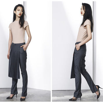 women gray pants,slit at back,with pleated wrap,asymmetrical design,elegant,fashion,unique,minimalist style,for summer and spring.