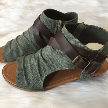 Strappy Slingback Wedge - Olive