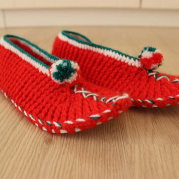 Crochet Slippers, Red Slippers, Christmas House Shoes, Italy, Crochet Slippers, Crochet Shoes, Knitted Crochet Sneakers Red Knitted Slippers