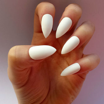 Fake nails - Matte or Glossy White Stiletto false nails, plain coloured press on false nails