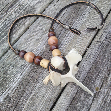 Mens Bone Necklace - Large Deer Bone Vertebrae Pendant - Spine necklace - Taxidermy Jewelry - Boho Leather Necklace