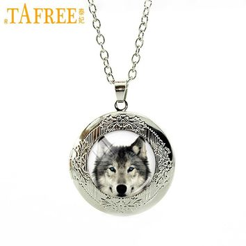 New fashion Glass Dome Arctic Wolf Locket Necklace