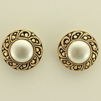 18 mm Pearl Filigree Gold Magnetic Non Pierced Clip Earring