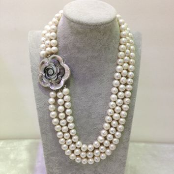 Duchesse Shell Triple-Strand White Pearl Necklace