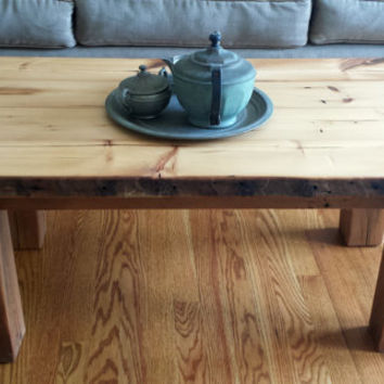 Handmade Rustic Barn Wood Coffee Table Farmhouse Style Cottage Decor Family Room Furniture