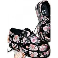 FLORAL WRAPPED CREEPERS