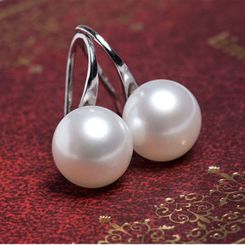 FREE Shipping on our Top Quality Pearl Earrings for Women.