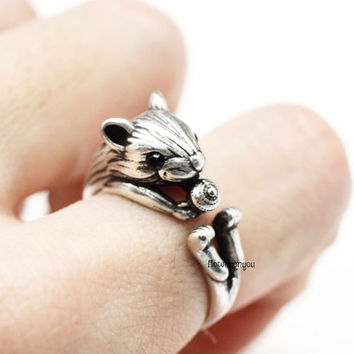 squirrel ring, retro squirrel ring, squirrel with acorn, adjustable ring, retro ring, cute ring, animal wrap ring, bacon ring