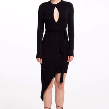 (als) Wrapped around aymmetric ribbed black dress