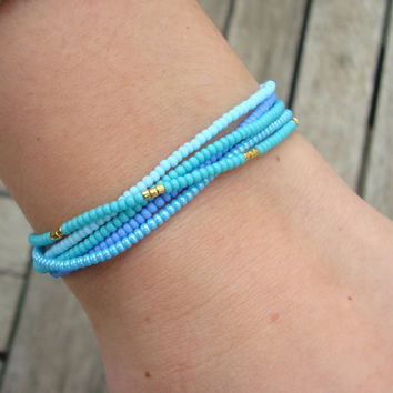 Simple Stretchy Seed Bead Bracelet   Friendship by cocolocca