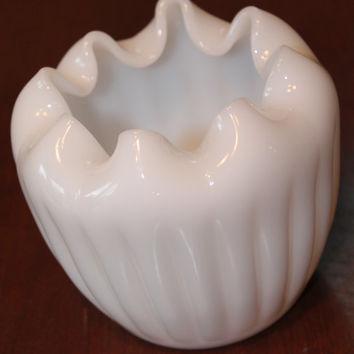 Fenton Glass Rose Vase Bowl In white Beutiful condition folds Vintage Antique Blown glass