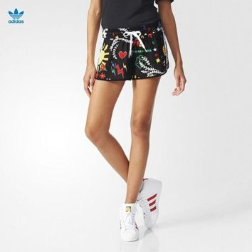 DCCKH3L Adidas x Pharrell Williams' Women Sports Casual Multicolor Pattern Print Shorts Hot Pants Leisure Pants Sweatpants