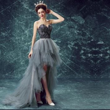 Sleeveless Strapless Wedding Frocks Special Feathers Wedding Gown Crystal On Waist