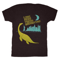 Loch Ness Takes Manhattan - Unisex Mens T-shirt Retro Tee Shirt Dinosaur Awesome Funny Green Lochness Monster Geek New York Charcoal Tshirt