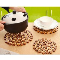 1x Round Bamboo Placemat Insulation Pads Against Hot Desk Table Mats Coasters Hollow Wooden Pot Cup Mat Kitchen Accessories