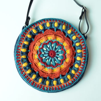 Crochet Crossbody Bag Pattern : Crocheted Bag PATTERN - Round purse with Mandala - overlay c...