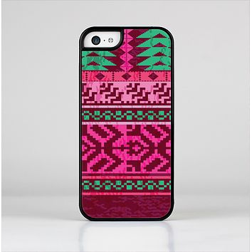 The Glowing Green & Pink Ethnic Aztec Pattern Skin-Sert Case for the Apple iPhone 5c