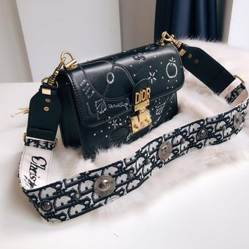 Dior Classic D-shaped canvas with retro lock Sequined embroidery fashion bag