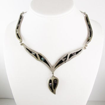 Vintage Necklace: Silver with Onyx and Mother of Pearl Inlay