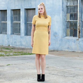 vintage 1960s mod dress large / 60s dress large / polyester dress / mustard yellow dress women / mustard dress / 1960s dress / 60s dress