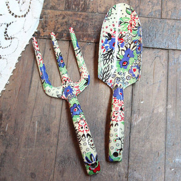 Pretty woman garden tool set by celia from ruche for Pretty garden tools set