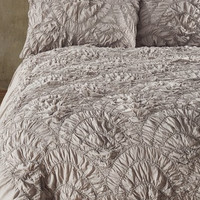 'Elise' Scallop Duvet Cover